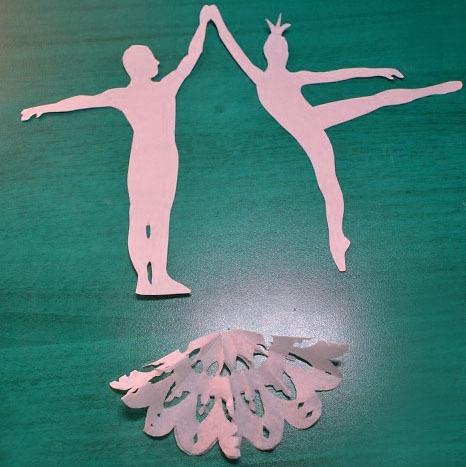 Как своими руками сделать балерину из снежинки