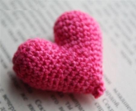 вязаное объемное сердце