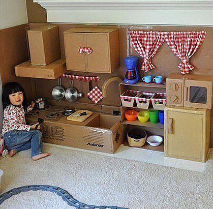 Детский уголок  из картона