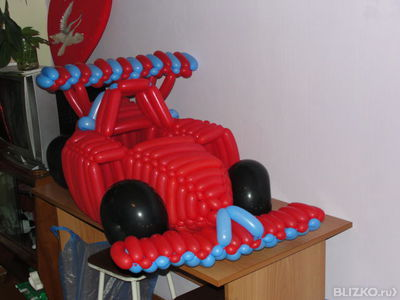 Как сделать машину из шаров своими руками фото
