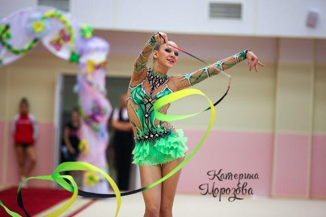 Гимнастический костюм для выступлений своими руками