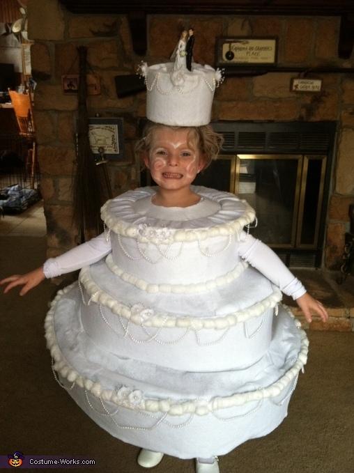 kostum torta