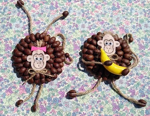 Поделка обезьяна из кофейных зерен