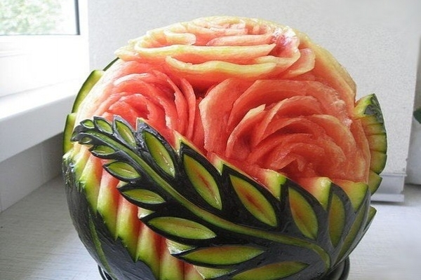 Как красиво сделать нарезку из арбуза
