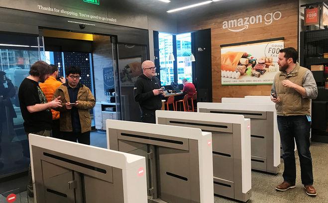 Сенсоры при входе в супермаркет Amazon
