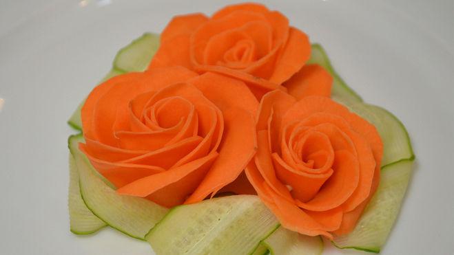 Цветы из вареной моркови