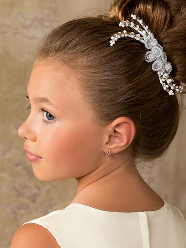 Причёска для девочки с диадемой