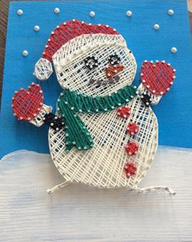 Снеговик в технике стринг арт