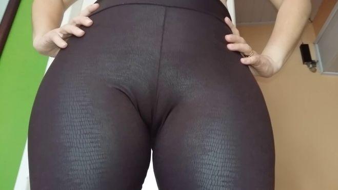 порно фото лосины обтягивают письку