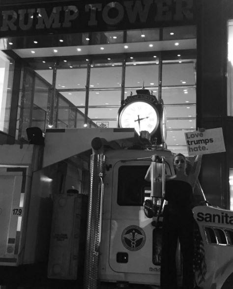 Леди Гага протестует против Трампа