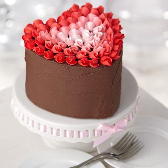 Как сделать торт в виде сердец 511