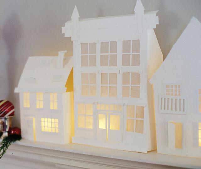 Как сделать домик из белой бумаги