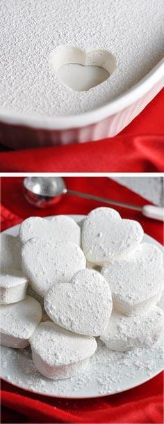 поделка сердце своими руками на день Святого Валентина из зефира
