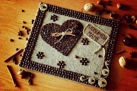 открытка с зернами кофе
