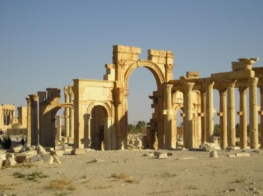 Пальмира; Триумфальная арка; Святыня; ИГИЛ; Боевики; памятник; скульптура
