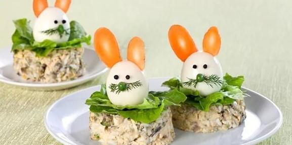 салат с яйцом в виде зайца