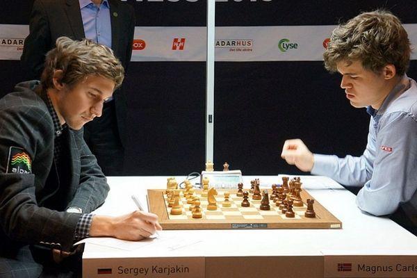шахматы, Карлсен Магнус и Сергей Карякин, ЧМ 2016, 8 партия, победа Карякина