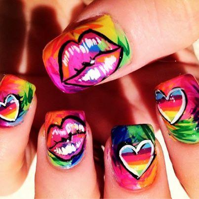 Как рисовать губы на ногтях
