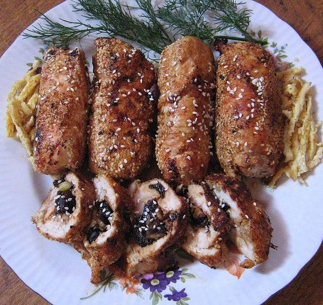 Рецепт рулет из курицы с черносливом в духовке рецепт
