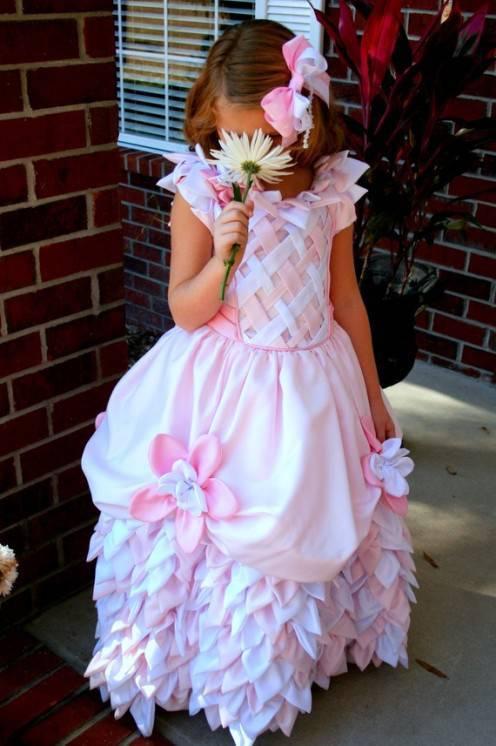 Детское платье из цветов