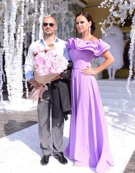 Виктория романец в платьях