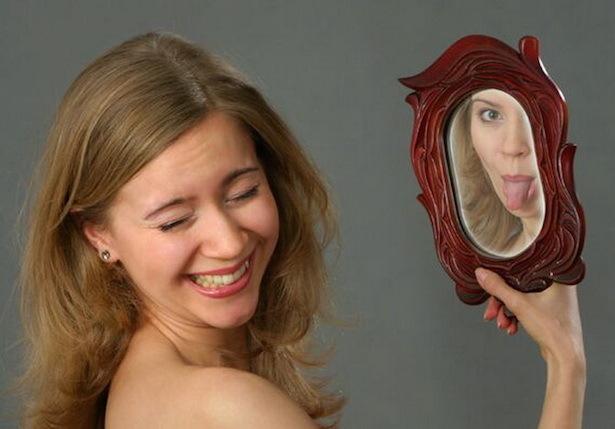 почему в зеркале отражение лучше, чем на фото