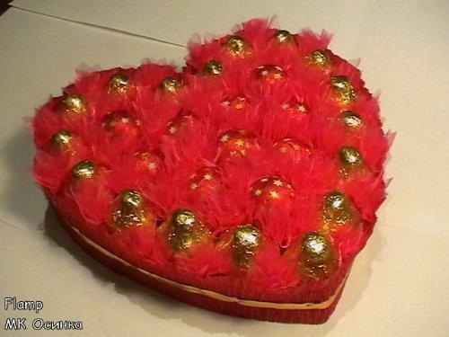 Сердечко из конфет на пенопласте