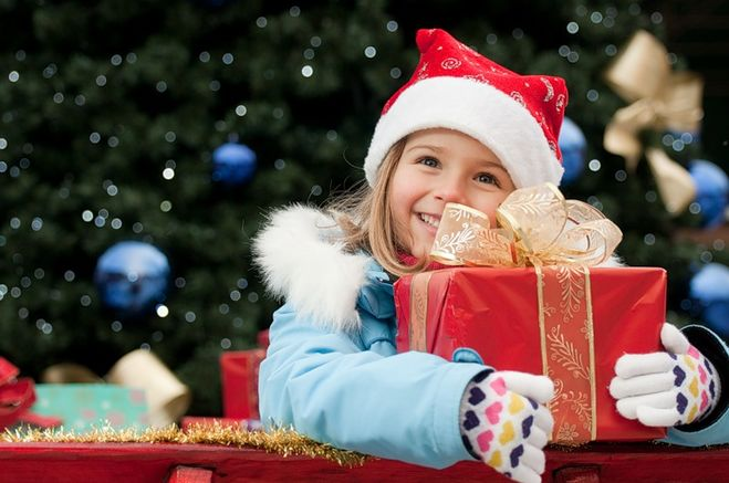 Что подарить ребенку на Новый 2017 год Петуха?