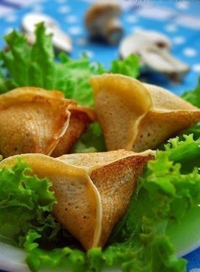 блинные треугольнички с грибами и сыром