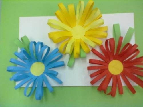Цветок из бумаги с малышами