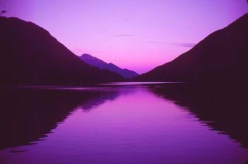 Если человек любит фиолетовый цвет что это значит