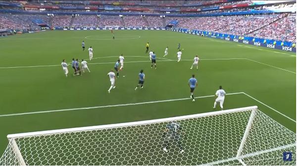 ЧМ по футболу 26 июня игра между Россией и Уругвае