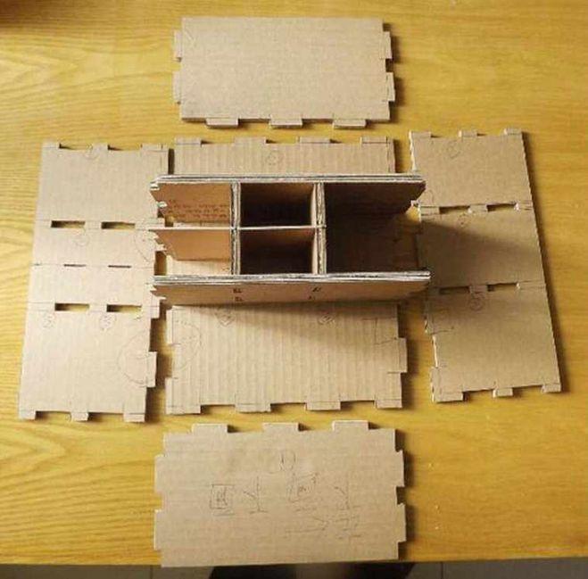 фото полка из картонной коробки