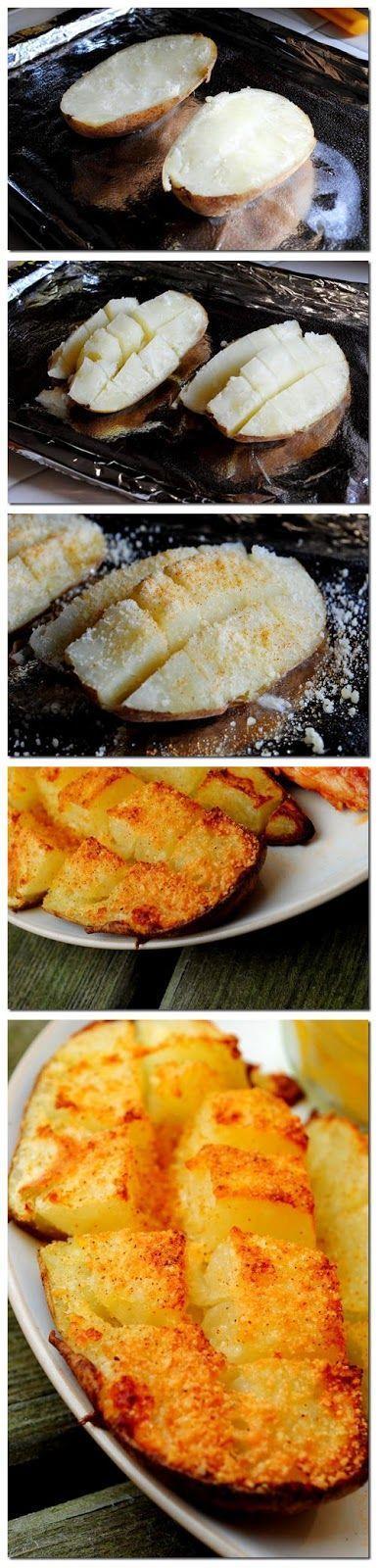 Запеченные половинки клубней картофеля