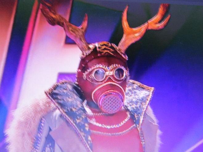 маска Олень в шоу маска