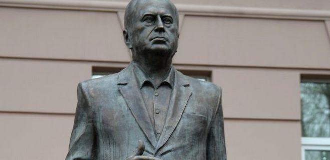 памятник Владимиру Жириновскому