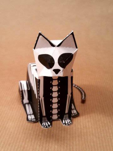 кот-скелетон на Хэллоуин
