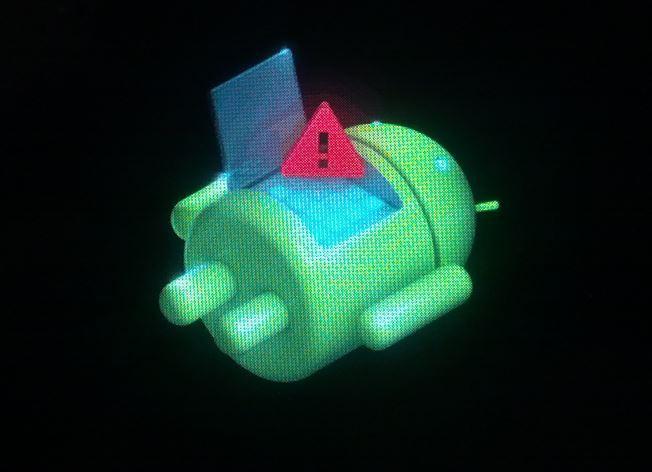андроид с знаком восклицания