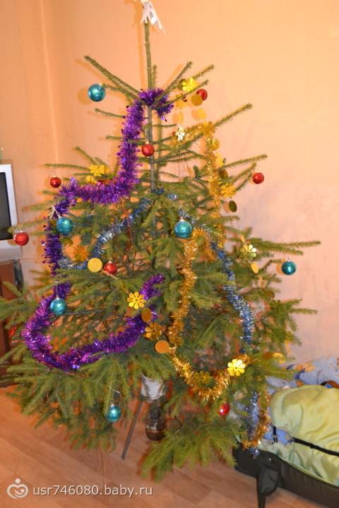 Как придать объём новогодней елке