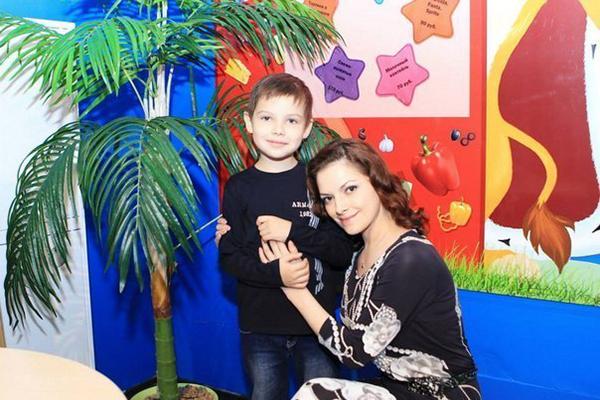 Наталья юнникова и ее сын Ролан