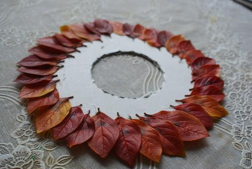 Как сделать из листьев венок