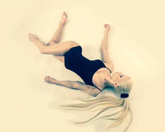 Ева Шиянова фото в купальнике