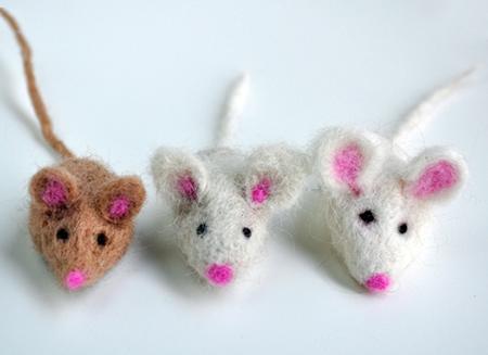 Как сделать самодельную игрушку на елку на Новый год Мыши 2020 (Крысы)