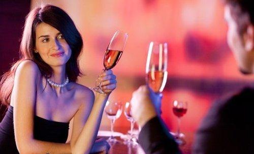 как праздновать день святого Валентина, Как праздновать день всех влюбленных, что дарят на день святого Валентина, где провести день всех влюбленных