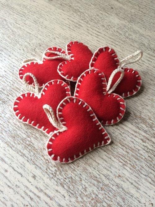 поделка сердце своими руками на день Святого Валентина из фетра