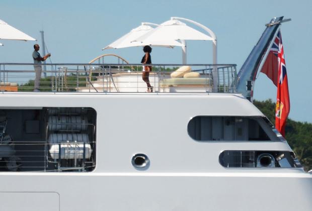 Барак и Мишель Обама на люксовой яхте «Восходящее солнце»