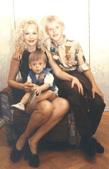 Елена Кондулайнен фото в молодости и сейчас с детьми и семьей