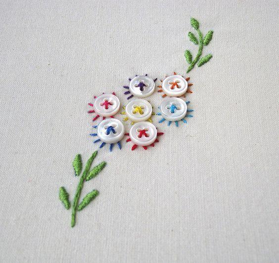 цветы из пуговиц