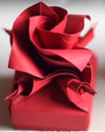 Роза оригами для украшения коробочки