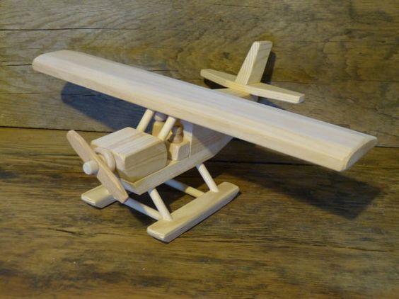 аэроплан из дерева